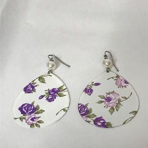 Jewelry - Teardrop Dangle Pierced Earrings Floral Faux Pearl